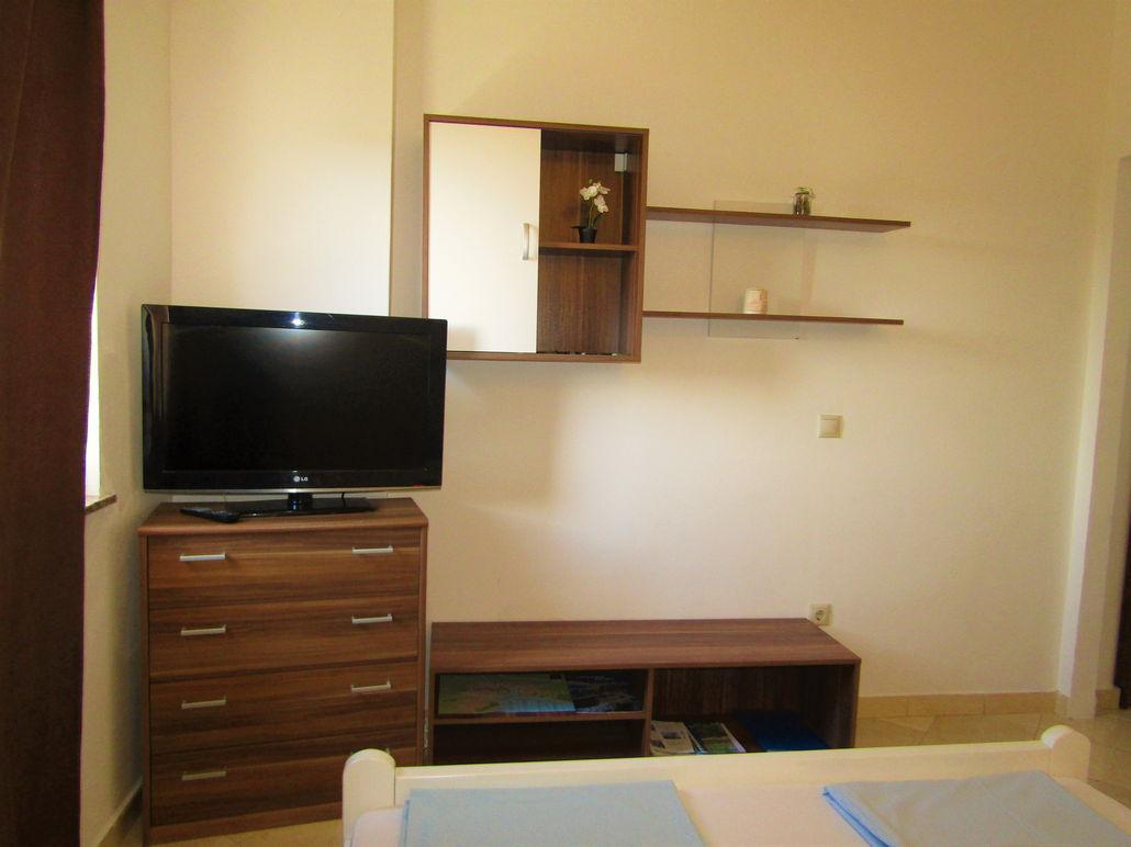 Apartman 4 Depikozlvane